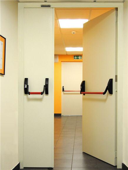 Portas-Corta-Fogo-EL2-90-Robustponds