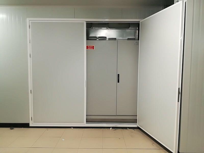 Portas-Serviço-Pivotante-Robustponds